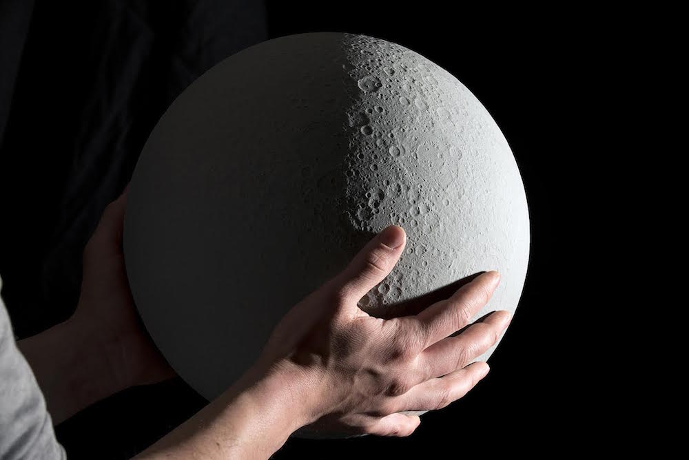 MOON - The Most Accurate Lunar Globe by Kudu 1